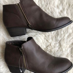 Union Bay 9 brown vegan leather ankle boots